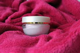 crema viso pelle