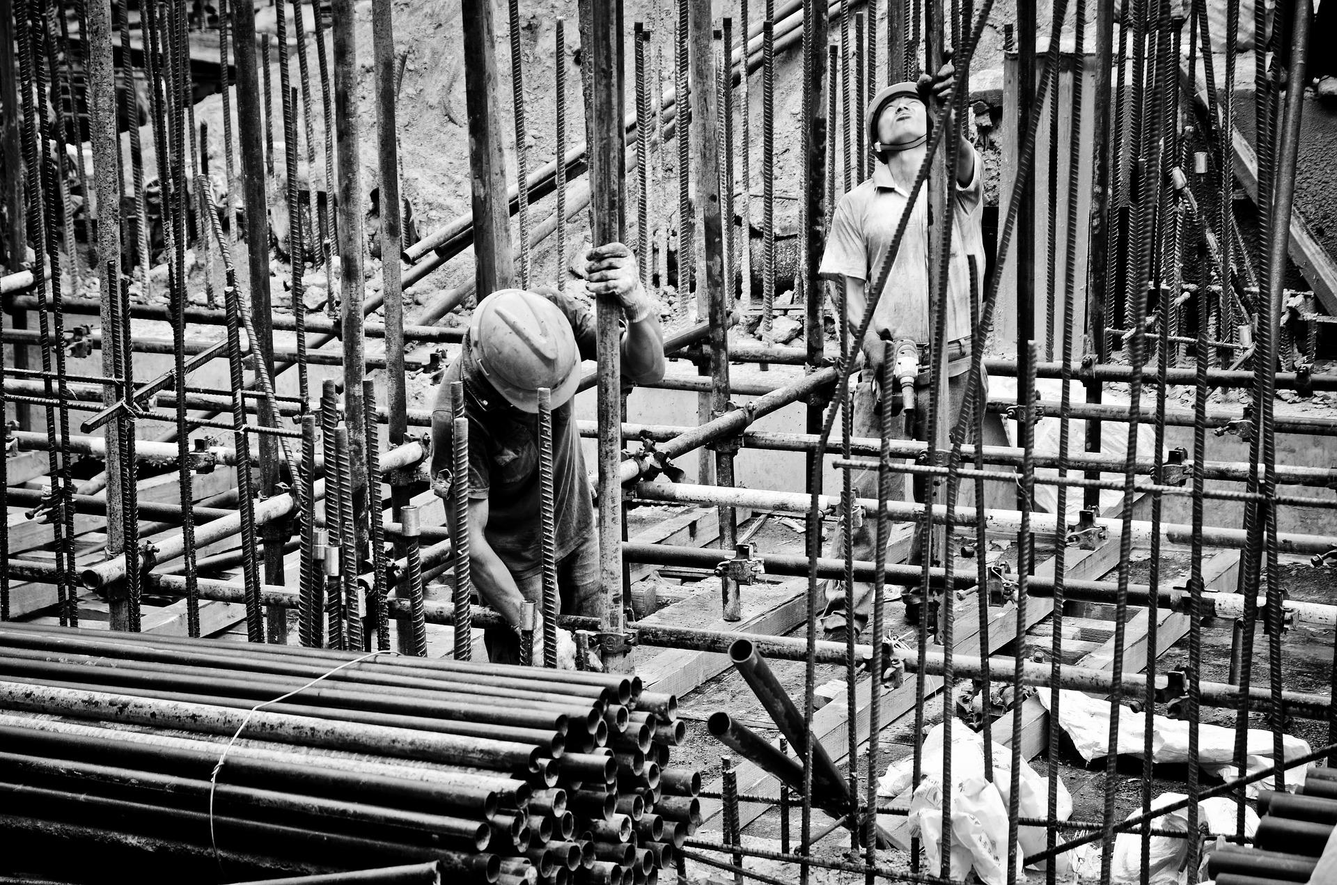 3 worker-2633918_1920